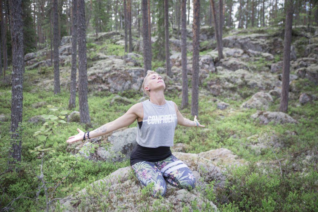 Rebecca kraft i skogen
